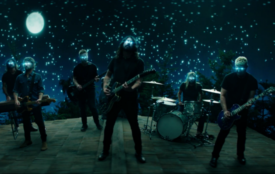 As duas filhas de Dave Grohl participam do novo clipe do Foo Fighters